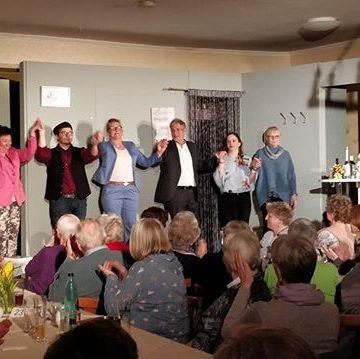 Die sehr spannende Woche ging gestern zuende.  Wir zeigten unser aktuelles Stück an 5 Tagen in dem Landgasthaus Kirschenholz (Schillsdorf). Zusätzlich zeigte unsere Jugendtheatergruppe auf der 21. Preetzer Kulturnacht kurze Sketche auf Plattdeutsch.Unsere nächste Vorstellung ist bereits kommendes Wochenende wieder in Preetz. Kommt vorbei.#gastauftritt #rückblick #kirschenholz #spaß #sketche #kulturnacht #preetz #theater #niederdeutsch #plattdeutsch #niederdeutschebühne #nbpreetz